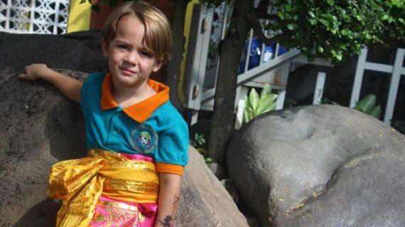 Skoebi-do Kids Learn about Bali